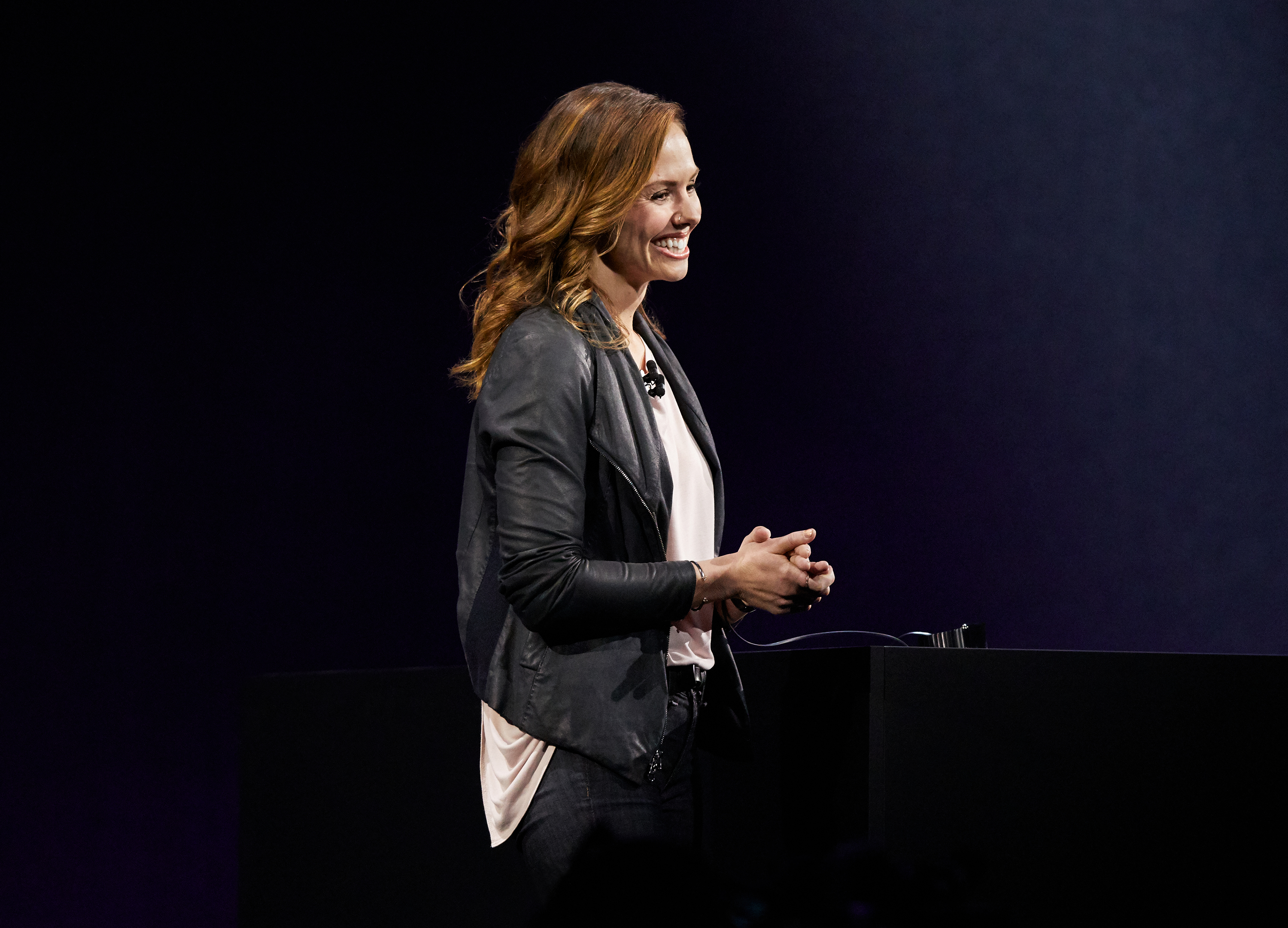wwdc_sj_keynote_vera_carr_apple_watch
